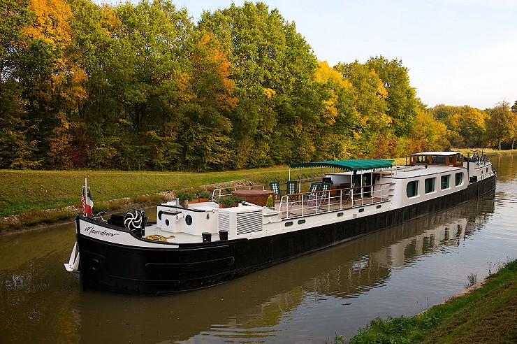 Plan Your Honeymoon On Board A Barge Holiday In France